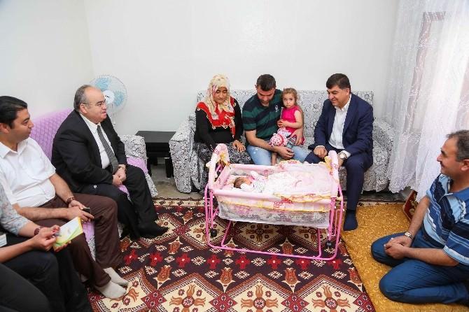 Fadıloğlu 20 Bininci Bebeği Ziyaret Etti
