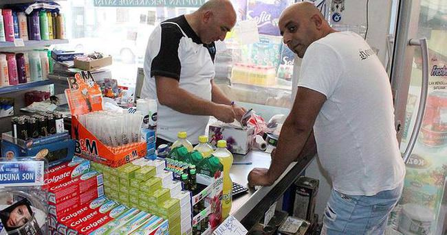 Yunanlılar Türk esnafa borç taktı