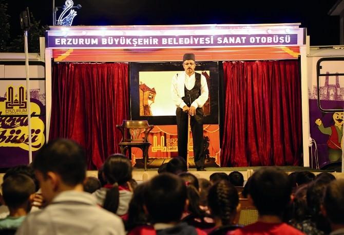 """Sekmen: """"Tiyatro İle Geleneksel Kültürümüzü Yaşatıyoruz"""""""
