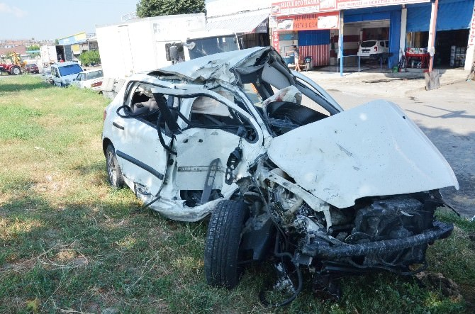 Selçuk'ta Turist Taşıyan Midibüs Kaza Yaptı: 16 Yaralı