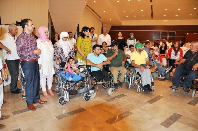 Kızıltepe'de Engelli Vatandaşlar Yemekte Bir Araya Geldi