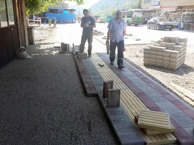 Kumluca'da Kaldırım Çalışması
