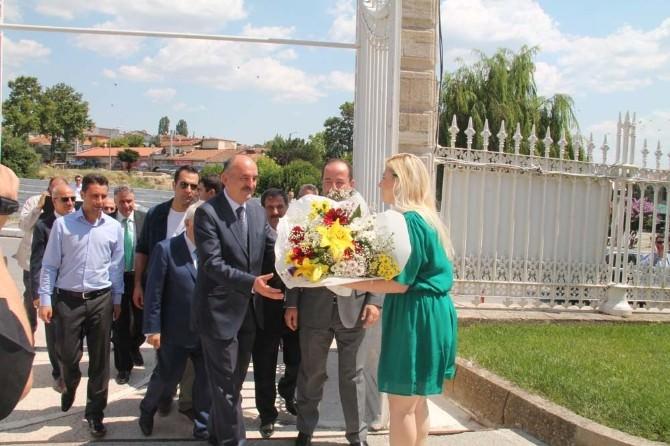 Bakan Müezzinoğlu'ndan Başkan Gürkan'a Ziyaret