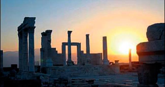 Laodikya'nın eşsiz manzarası büyülüyor