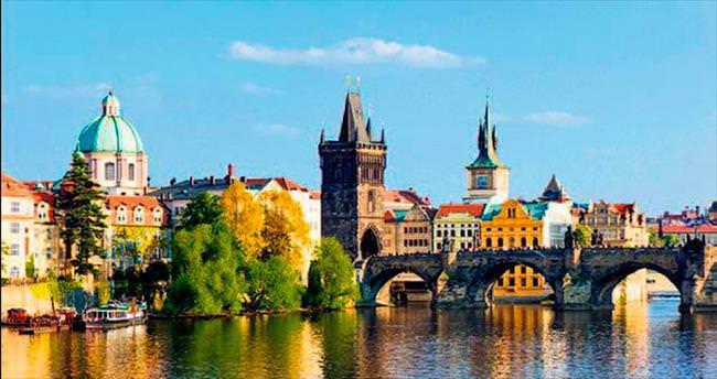 Ortaçağ'ın baş döndüren şehri Prag'a davetlisiniz