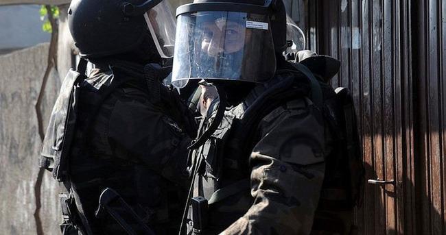 Adana'da 400 polis ile uygulama