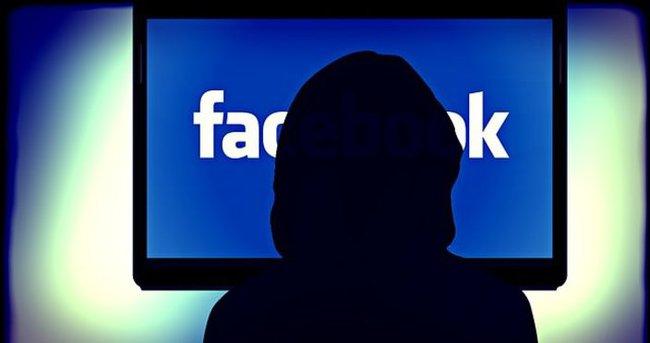 Facebook'a kadınsal dokunuş