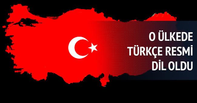 Türkçe resmi dil oldu
