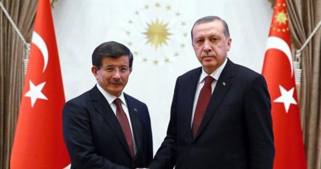 Davutoğlu görevi almak için Beştepe'de