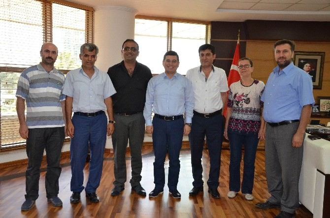 Pazarcılar Odası Yönetiminden Tütüncü'ye Ziyaret