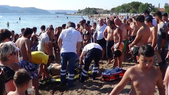 Yüzerken Sara Nöbeti Geçiren Turisti Vatandaşlar Kurtardı