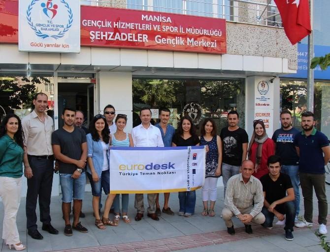 Gençlik Merkezi Gönüllü Gençleri Avusturya Yolcusu