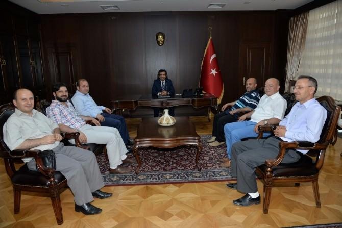 Vali Güzeloğlu, Gebze'den Gelen Ziyaretçilerini Ağırladı