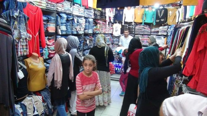 Kızıltepe'de Esnaf Satıştan Halk Fiyatlardan Memnun