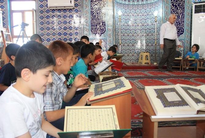 Çocukların Yaz Kur'an Kursu Sevinci