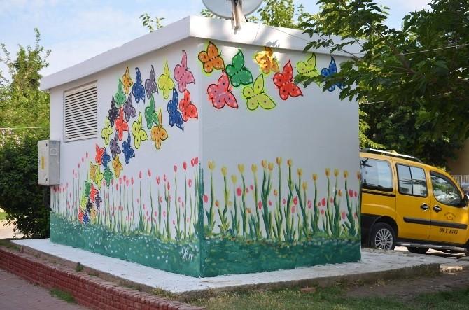 Kuşadası'nda Trafolar Renkleniyor