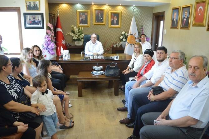 AK Parti Şehzadeler İlçe Teşkilatı'na 200 Kişilik Katılım