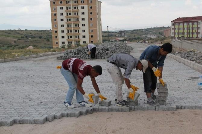 Cevher Dudayev Mahallesi'nde Yol Düzenleme Çalışmaları Sürüyor