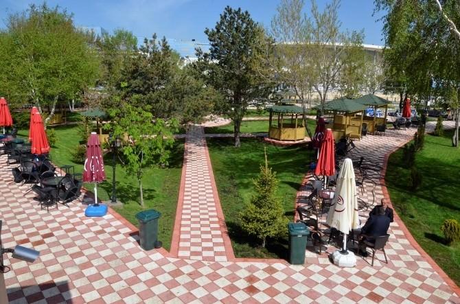 Ramazan'da Erzurum'un Tercihi Palandöken Aile Çay Bahçesi Oldu…