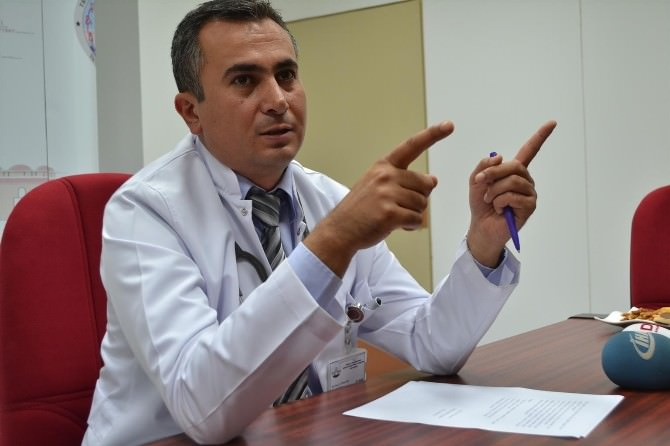 Trakya Üniversitesi Acil Tıp Ana Bilim Dalı Öğretim Üyesi Yrd. Doç. Dr. Ömer Salt, Gölgede Dair Güneş Çarpması Görülebilir