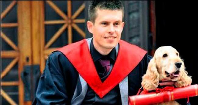 Sahibiyle birlikte köpeğe de diploma