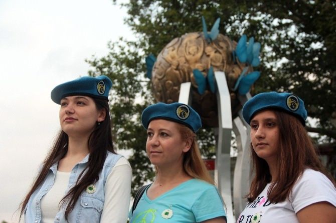 BM'nin Srebrenitsa Katliamı Kararına Protesto