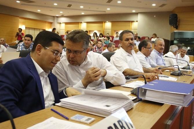 Antalya Büyükşehir Meclisi'nde Özgecan Aslan Yönetmeliği
