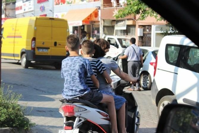 Motosikletle Tehlikeli Yolculuk