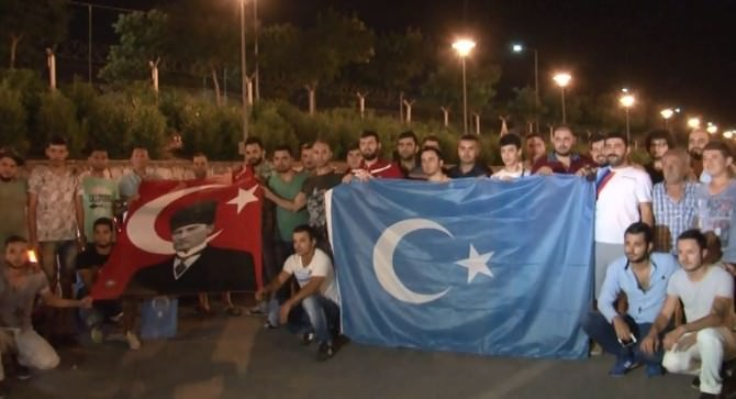 Modifiyeli Araç Sahipleri Doğu Türkistan İçin Bir Araya Geldi