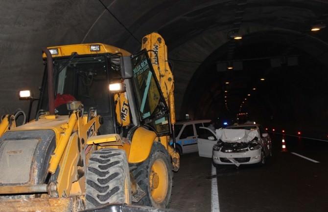 Tünelde Maddi Hasarlı Kaza