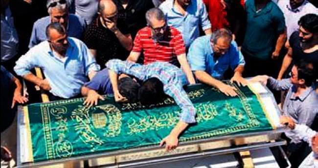 Mehmet gözyaşları içinde defnedildi