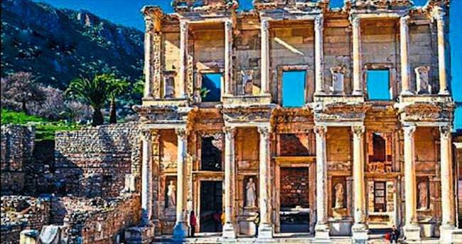 Turistlerin gözdesi Efes