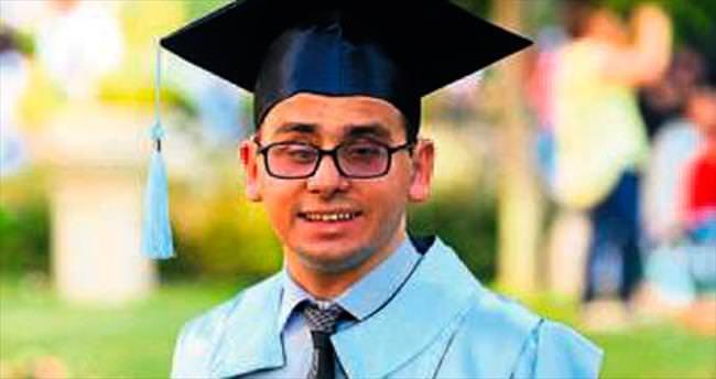 Diploma töreninde alkışlar Celil'e gitti
