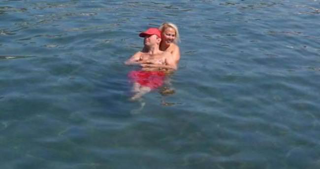 Safiye Soyman oğluyla tatilde