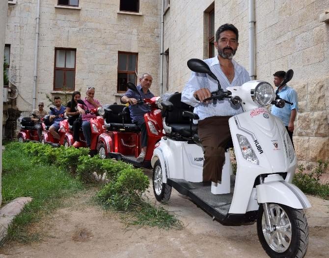 İhtiyaç Sahibi Hükümlü Ve Yakınlarına Elektrikli Engelli Aracı