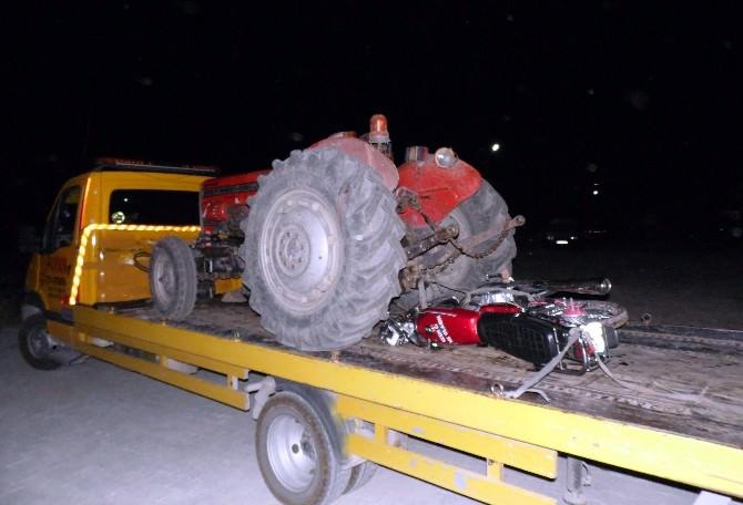 Traktör İle Motosiklet Çarpıştı