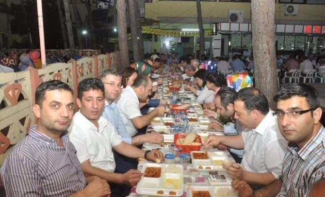 AK Partili Gürcan, Ahmetli'de İftara Katıldı