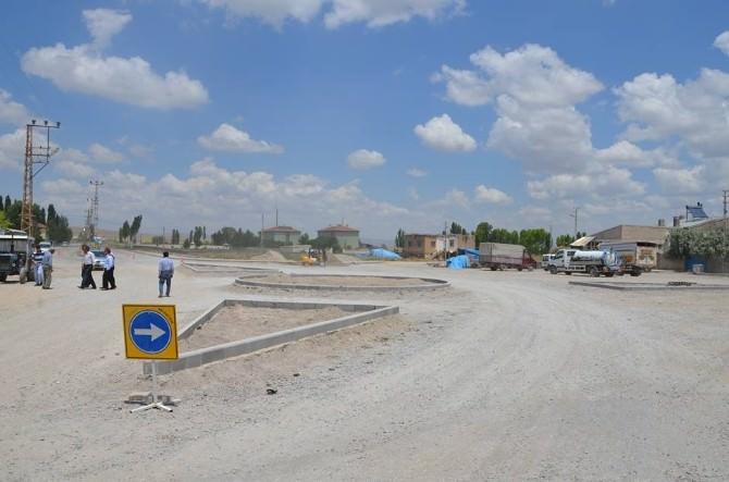 Bünyan'da Meydan Düzenlemeleri Başladı