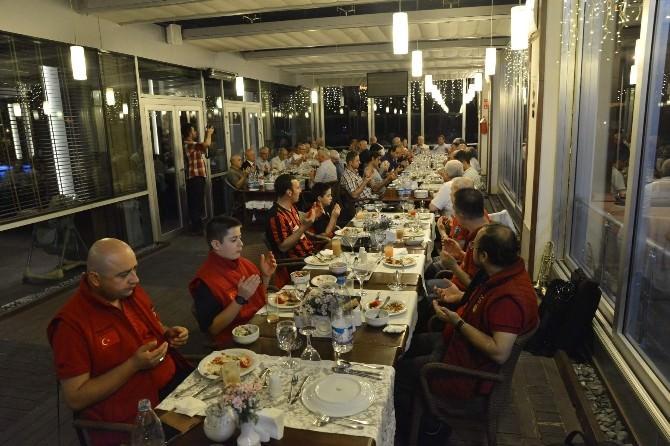Eskişehirspor'un Efsaneleri İftar Yemeğinde Buluştu