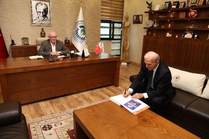 Prof. Dr. Tosun'dan Başkan Kurt'a Ziyaret