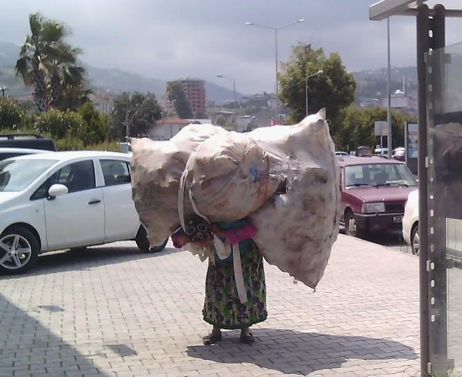 Karadeniz Kadınının Yük Taşıma Çilesi