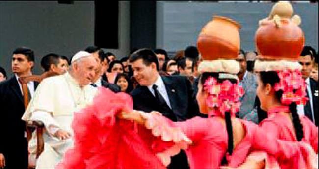Papa'dan hapishaneye anlamlı ziyaret