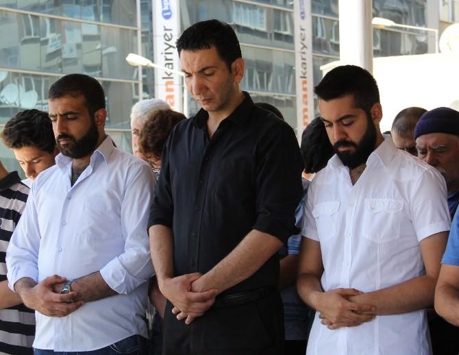 Kazada Ölen Ülkü Ocakları Başkanı İçin Gıyabi Cenaze Namazı Kılındı