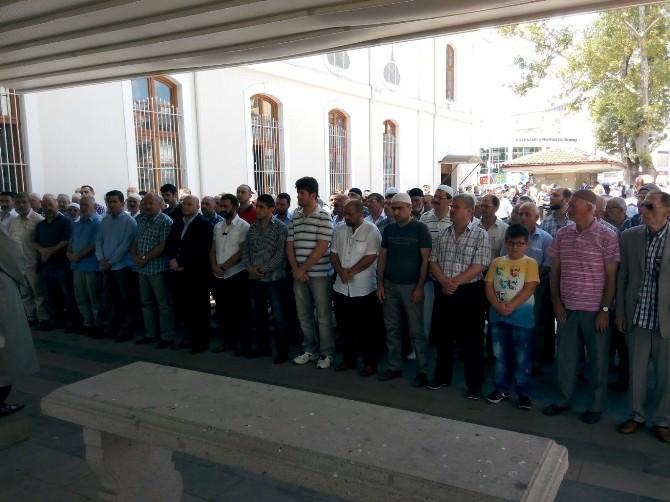 Hayatını Kaybeden Ülkü Ocakları Başkanı İçin Gıyabi Cenaze Namazı Kılındı