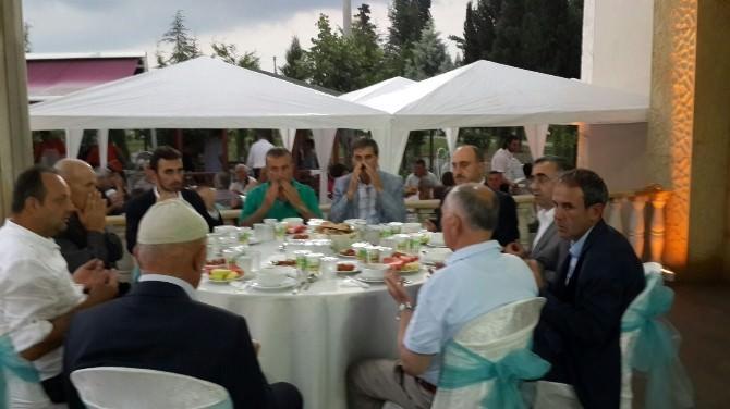 Bereket Sofraları Serdivan'da Kuruldu