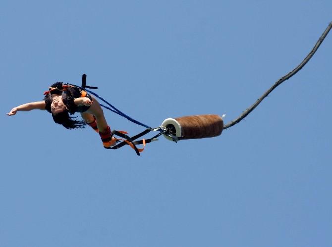 Adrenalin Tutkunları İçin Bungee Jumping Vinci