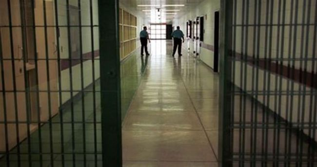 Tutuklular artık avukatlarıyla cezaevinden telefonla görüşebilecek