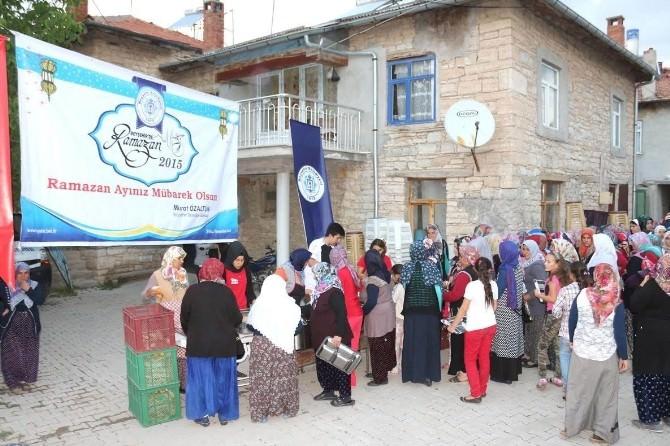 Beyşehir'de Toplu İftar Sofrası Kuruldu