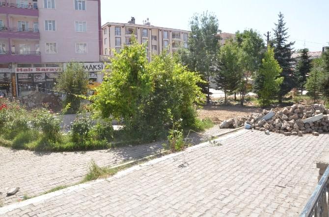 Erciş Belediyesi'nnden Park Yapımı
