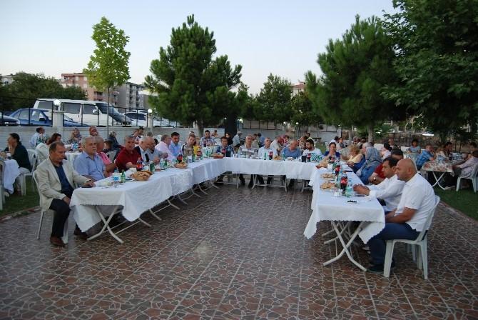 Lokantacılar Odası Üyelerine İftar Yemeği Verdi